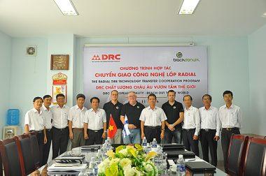 DRC hợp tác với công ty BLACK DONUTS ENGINEERING INC (Phần Lan) chuyển giao công nghệ sản xuất lốp Radial tiên tiến của Châu Âu (17/11/2016)