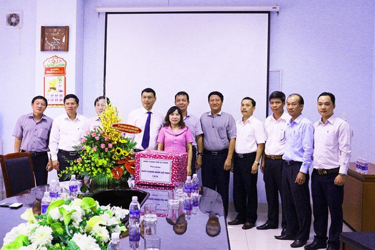 UBND TP Đà Nẵng đến thăm, chúc mừng Công ty CP Cao su Đà Nẵng nhân Ngày Doanh nhân Việt Nam 13-10 – (14/10/2016)