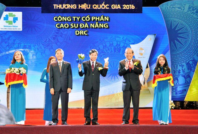 DRC được vinh danh tại Lễ công bố doanh nghiệp có sản phẩm đạt Thương hiệu quốc gia 2016 (1/12/2016)