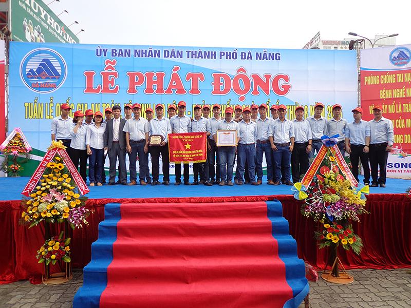 DRC tham dự Lễ phát động Tuần lễ quốc gia ATVSLĐ –PCCN lần thứ 18 năm 2016 và nhận cờ của Bộ Lao dộng Thương binh xã hội tại TP. Đà Nẵng (22/03/2016)
